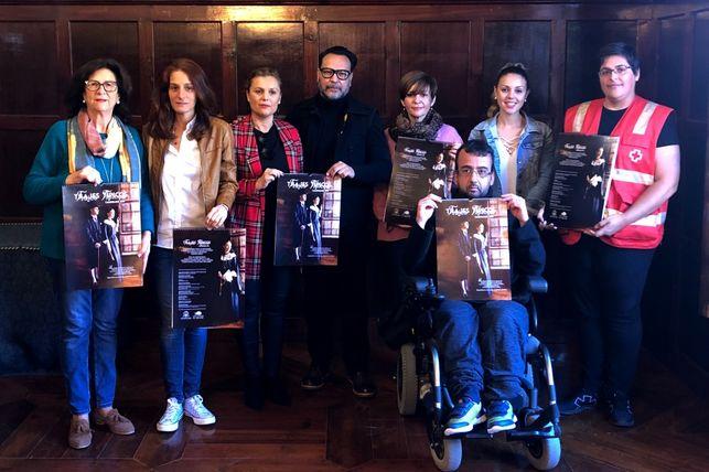 Un calendario solidario sobre la indumentaria tradicional palmera para colaborar con NEP
