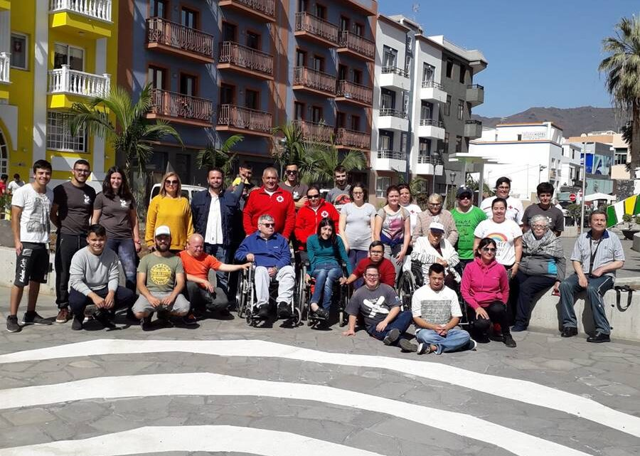 La Escuela de Capacitación Agraria y Niños Especiales de La Palma plantan vida