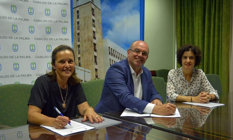 """Niños Especiales de La Palma y el Cabildo cooperan en el proyecto """"Estamos contigo"""" y en la gestión de plazas del Centro de Día"""